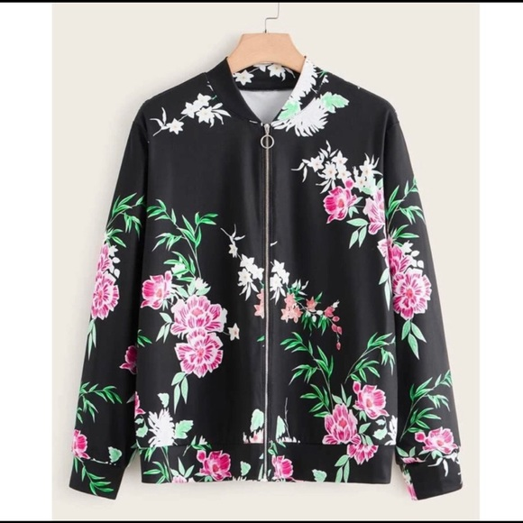 NWT BEBE Cut Floral Bomber Jacket SIZE XS Gorgeous perfect for this season!!